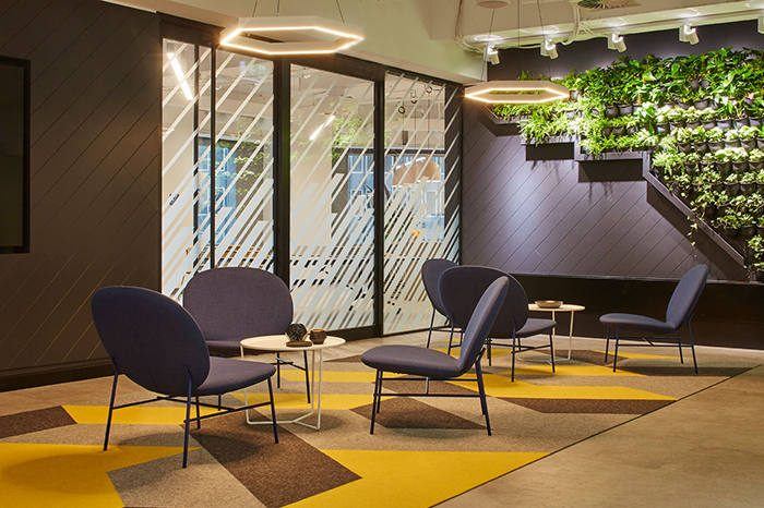 interior electrics travelport office electrical fitout